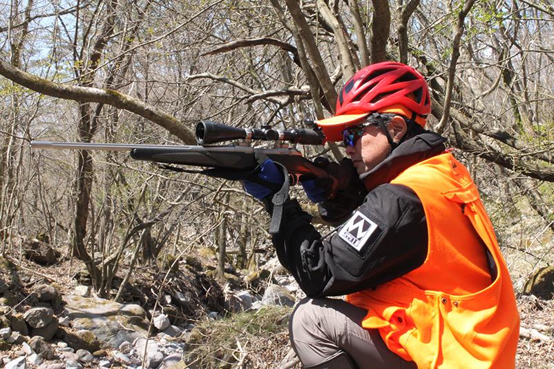 ニホンジカ・イノシシ・キョンに対して、銃器を使用した捕獲